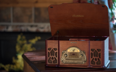 Review: The Electrohome Winston Vinyl Record Player